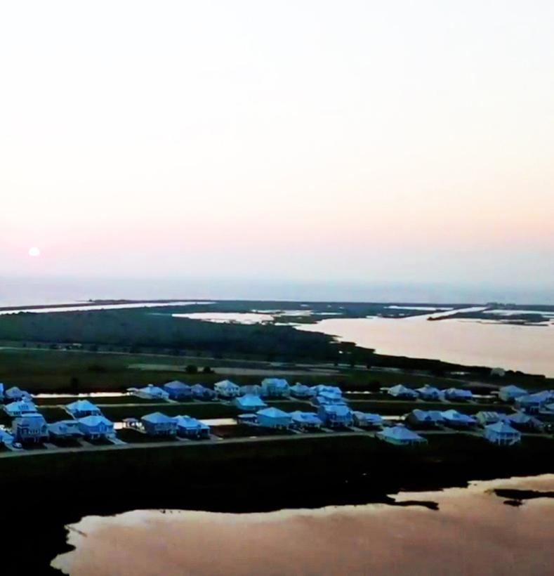 Image{width=789, height=820, url='https://cdn2.hubspot.net/hubfs/5834572/images/Galleries/Aerial%20Shots/Grand_Cay_Harbour_1.1.1_aerial_789x820.jpg'}